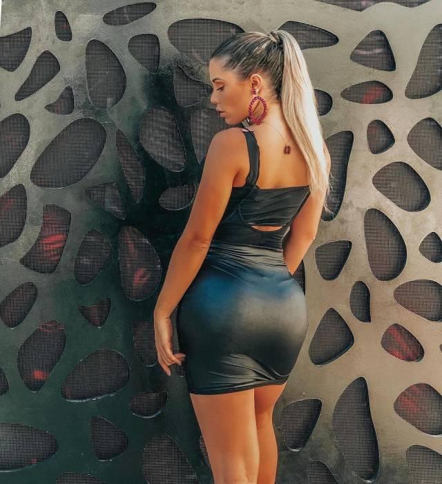 Very Hot Brazilian Girls (58 pics)