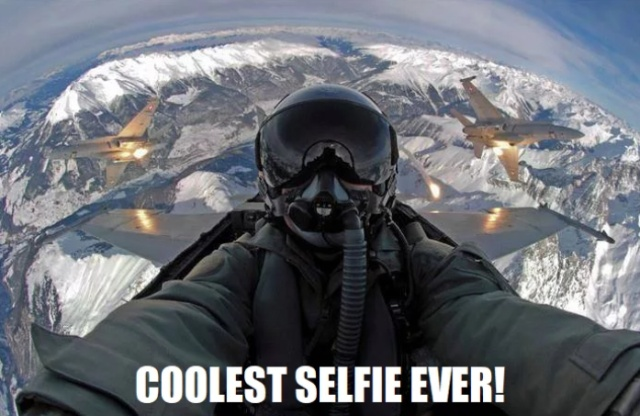 The Coolest Selfie Ever (3 pics)