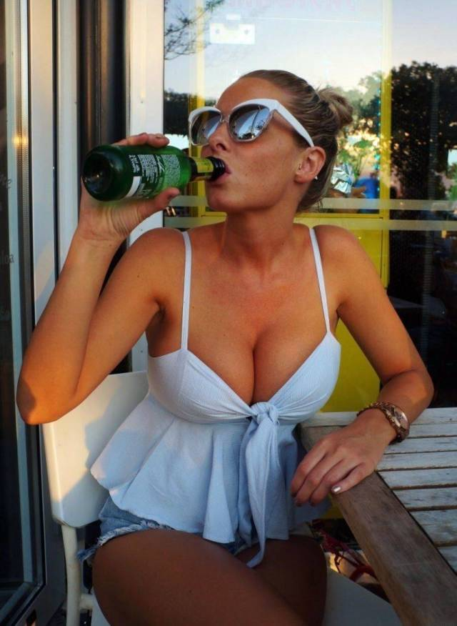 Hot Girls And Beer 35 Pics-1816