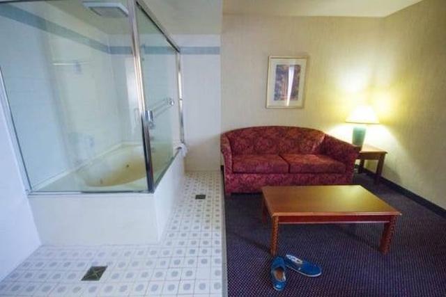 WTF Hotels (23 pics)