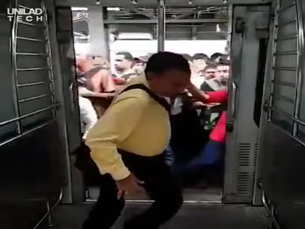 Only The Strongest Survive During Rush Hour In Mumbai, India
