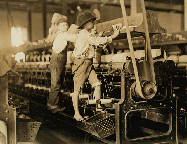 Child Labor More Than 100 Years Ago (34 pics)