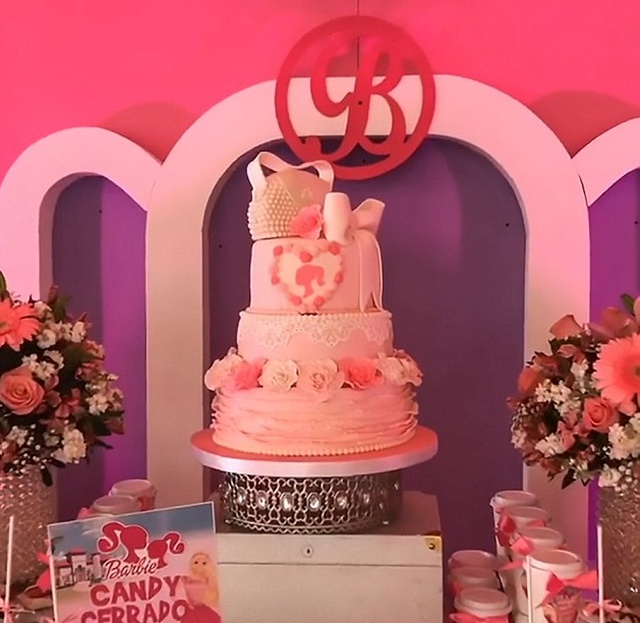 El Chapo S Seven Year Old Twin Daughters Birthday Party