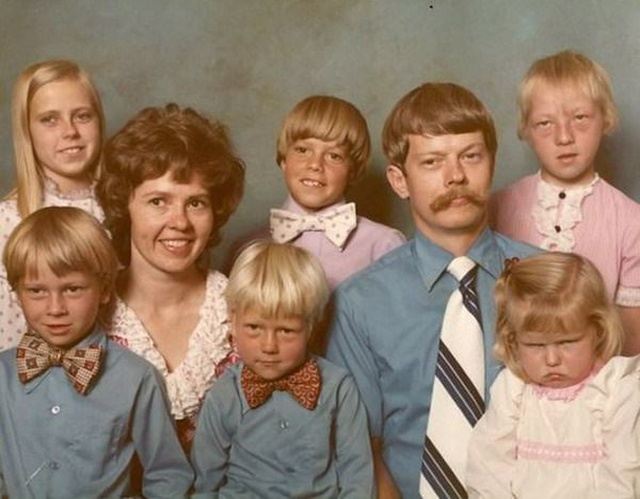 Awkward Family Photo (26 pics)