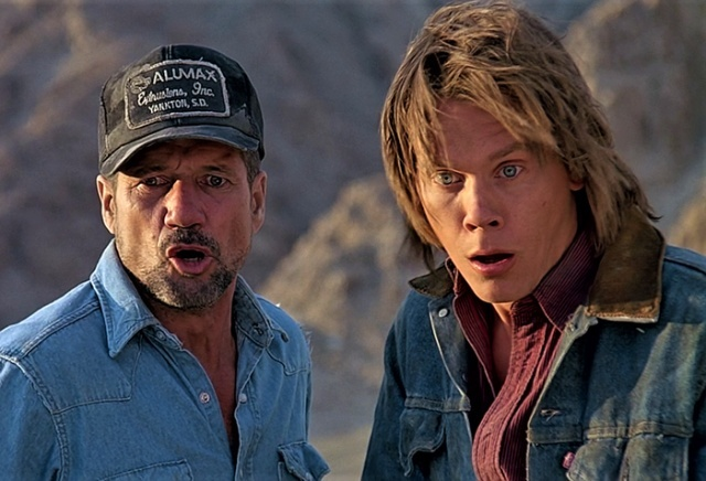 Behind the Scenes of Tremors (1990) (21 pics)