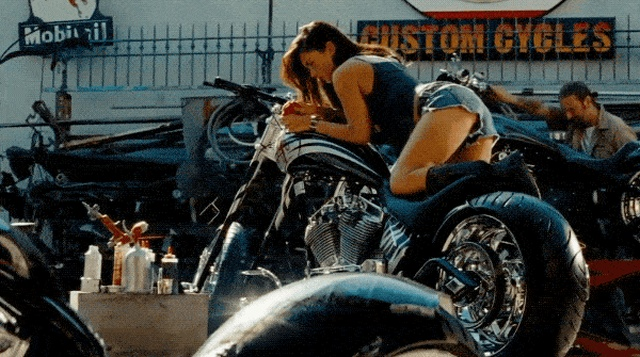 Hot Megan Fox GIFs (15 gifs)