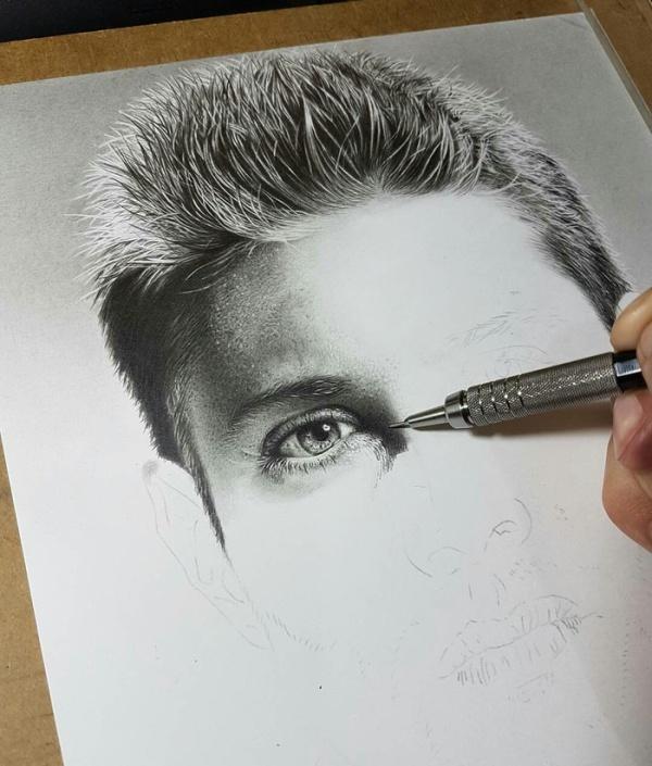 Creation Of Jensen Ackles' Portrait (3 pics)