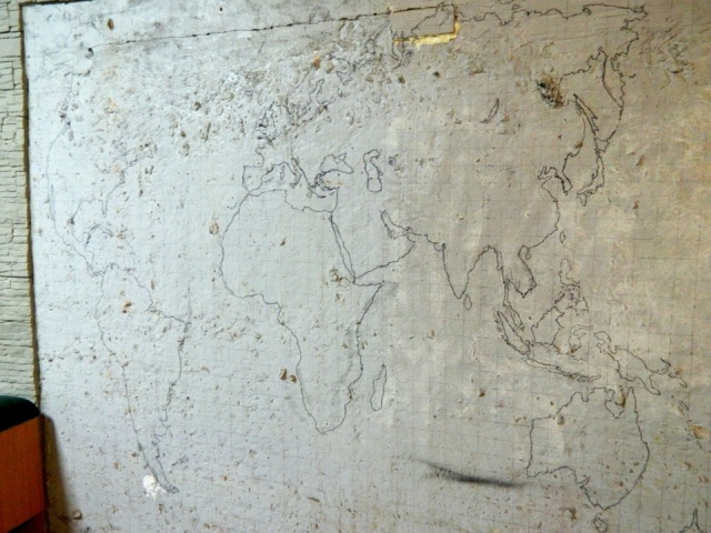 DIY World Map In A Garage (15 pics)