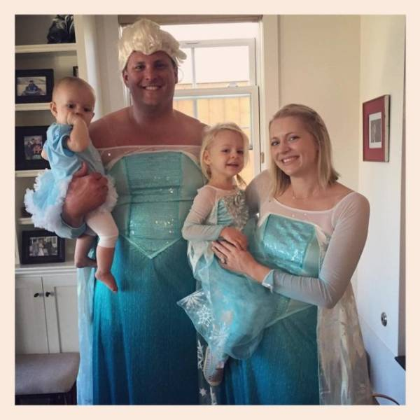 Family Halloween Costumes (35 pics)