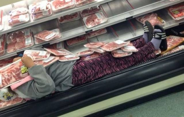 Funny Shopping Pictures (18 pics)