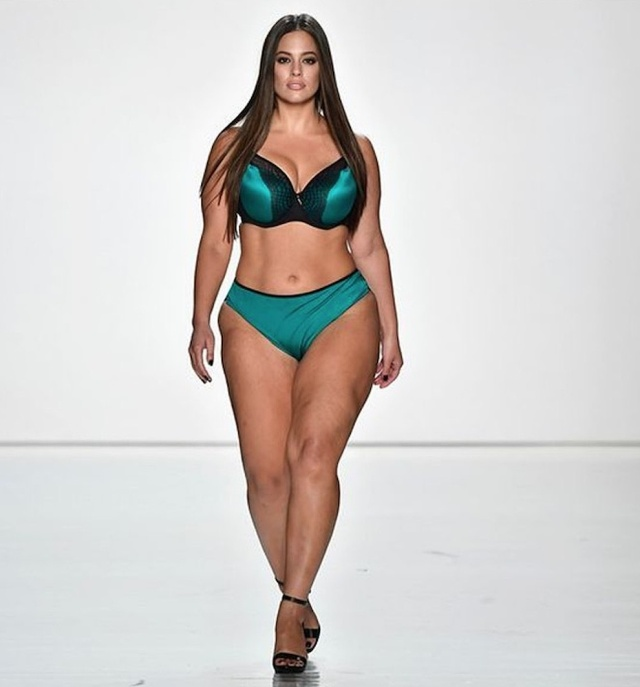 Ashley Graham Plus-Size Model Receives Tons Of Hate After Losing Some Weight (6 pics)