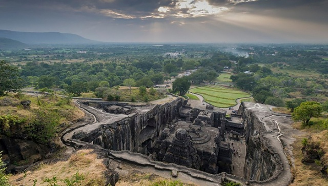 The 8th Century Temple That Was Carved Out Of One Rock (10 pics)
