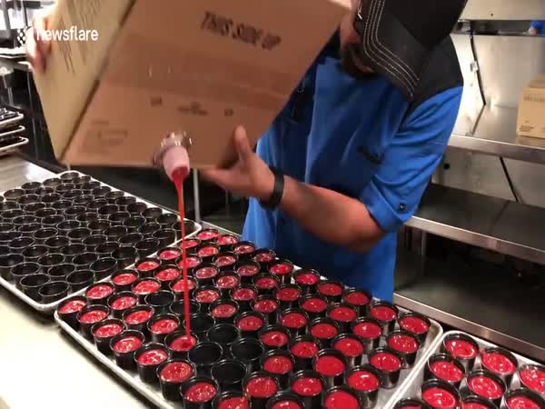 Kitchen Worker Fills 70 Ketchup Pots In A Matter Of Seconds