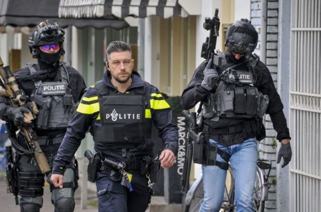 Dutch DSI Special Forces Have An Interesting Fashion (12 pics)