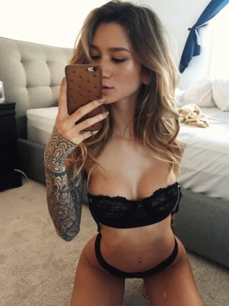 Hot Girls Make Hot Selfies (40 pics)