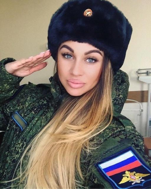Russian Army Girls (23 pics)