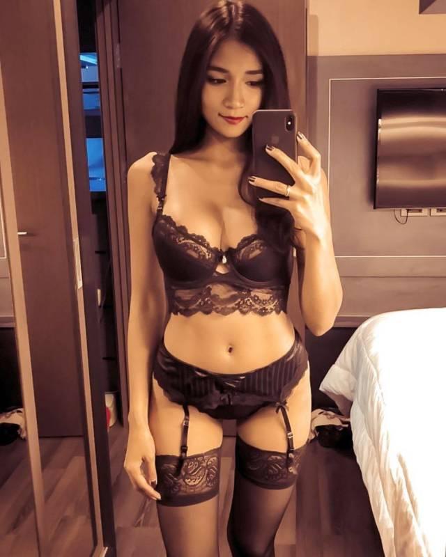 Cute Asian Girls (44 pics)