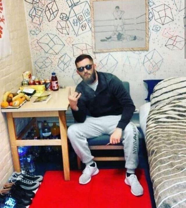 The Life Of Albanian Gang Members In London (17 pics)