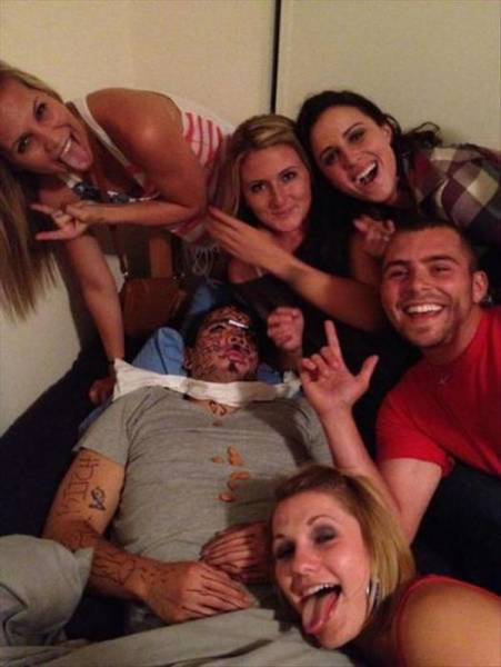 Drunk People Doing Stupid Things (43 pics)