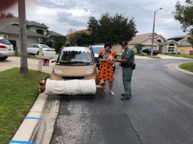 Cops Stopped Flinstones Cars (6 pics)