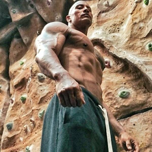 Photos From Dwayne Johnson's Instagram (23 pics)