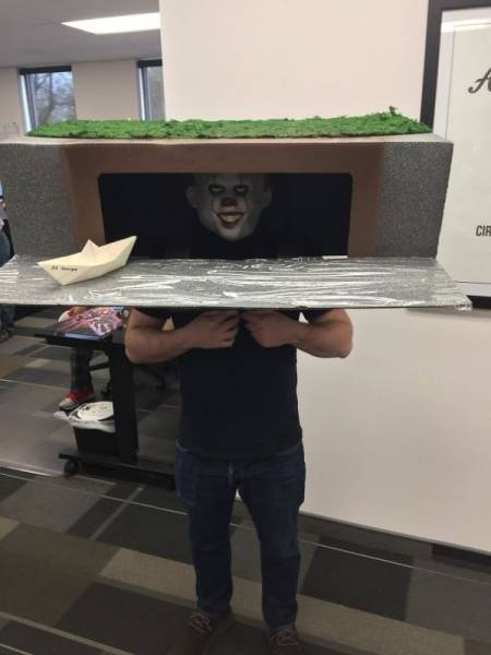 Fun At Work (47 pics)