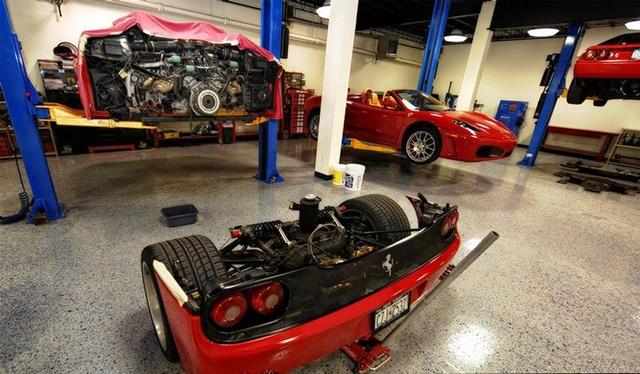 Changing The Clutch On A Ferrari F50 (6 pics)