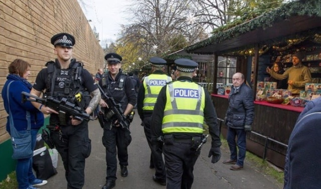 Christmas in Europe Is All About Security These Days (5 pics)