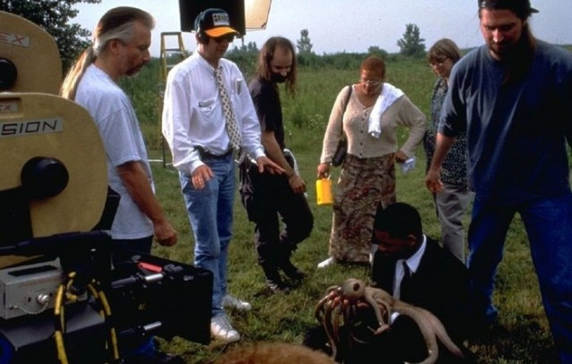 Behind The Scenes Of Men in Black (14 pics)