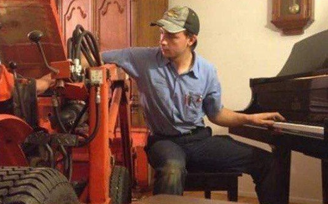 This Is Why Everyone Needs A Home Tractor (5 pics)