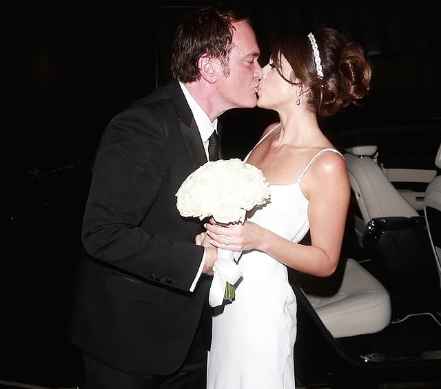 55-Year-Old Quentin Tarantino And 35-Year-Old Singer Daniella Pick Got Married (22 pics)