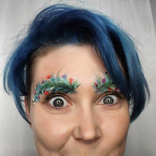 Christmas Tree Eyebrows (15 pics)