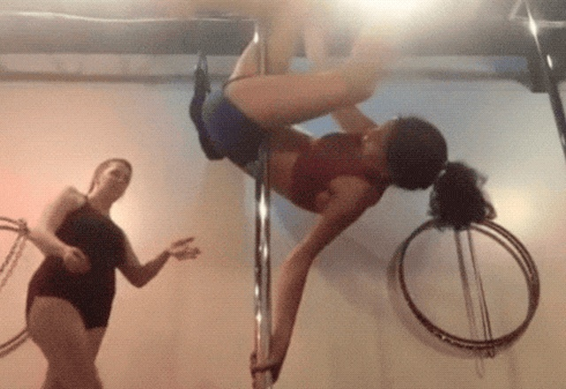 Pole Dance Fails (17 gifs)