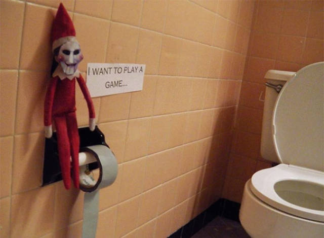 """Some Perfect """"Elf On The Shelf"""" Placement Ideas (44 pics)"""