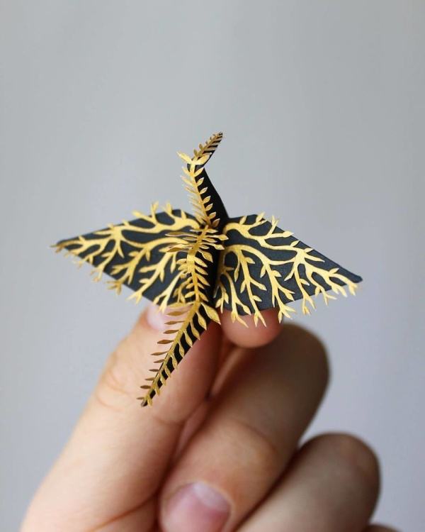 Guy Folded And Decorated An Origami Crane Every Day For 1,000 Days (23 pics)