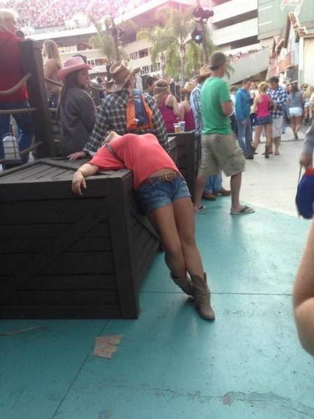 What Happens If You Drink Too Much (47 pics)