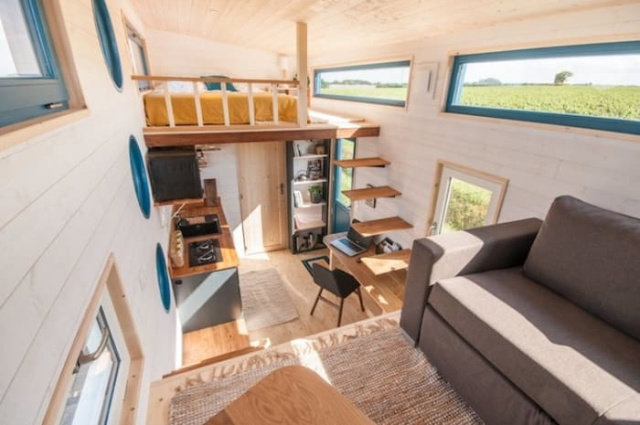 140 Square Feet (13 sq m) Tiny Home With 2 Bedrooms (11 pics)