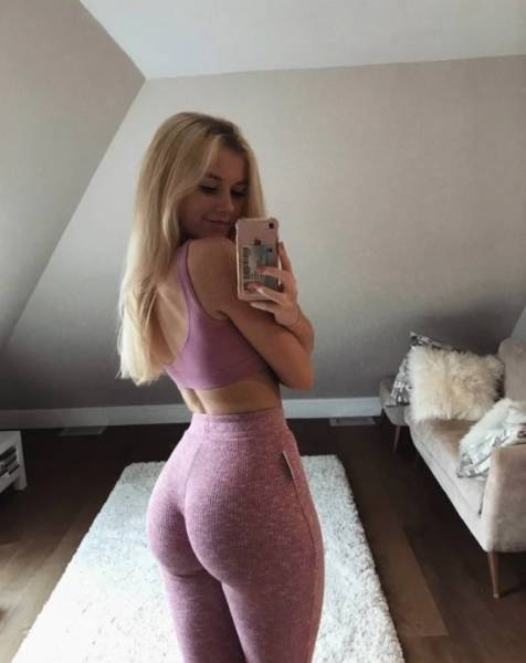 Perfect Hips And Waists (33 pics)