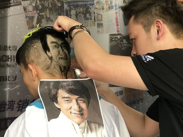 Hairdresser From China Creates Beautiful Pictures Using Clients' Hair (10 pics)