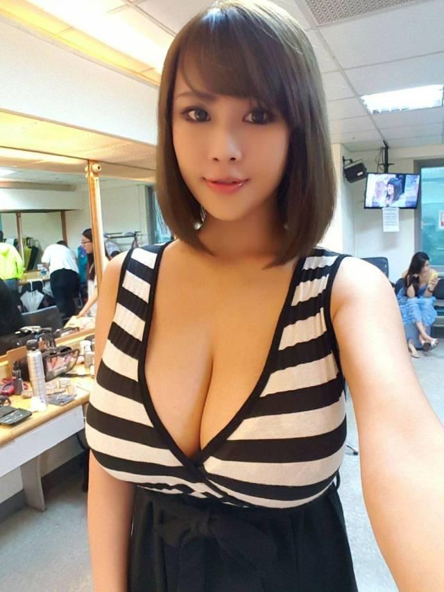 Cute Asian Girls (35 pics)