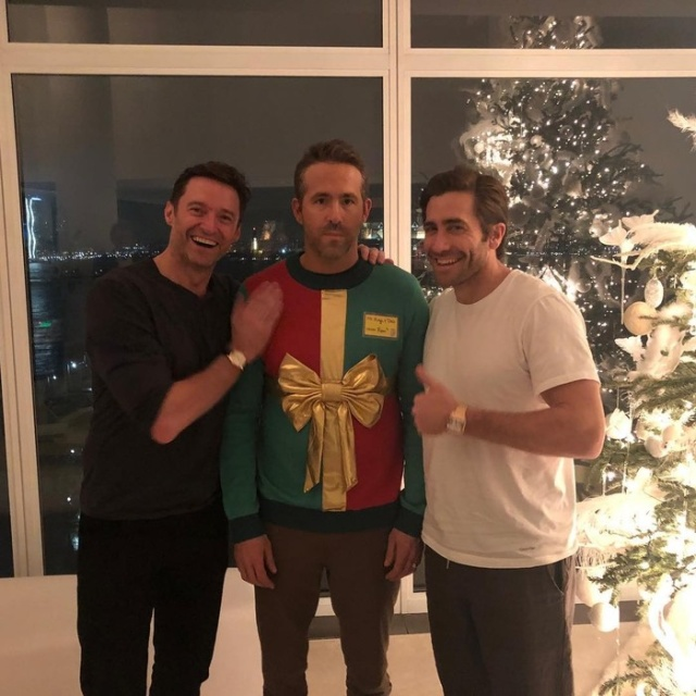 Hugh Jackman and Jake Gyllenhaal Laughing At Ryan Reynolds' Ugly Sweater (2 pics)