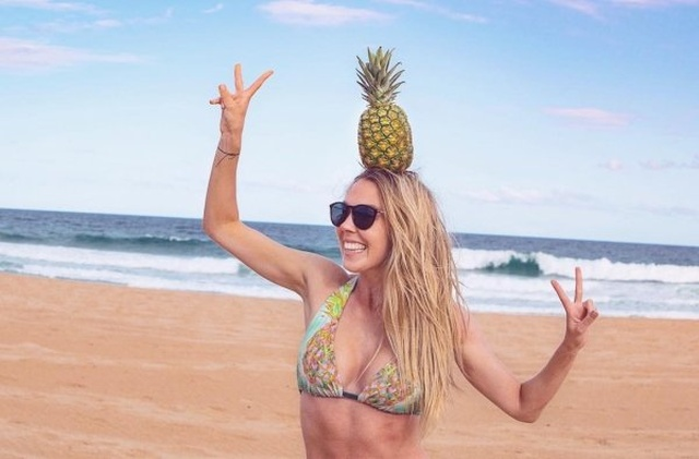 Pineapple Girls (25 pics)