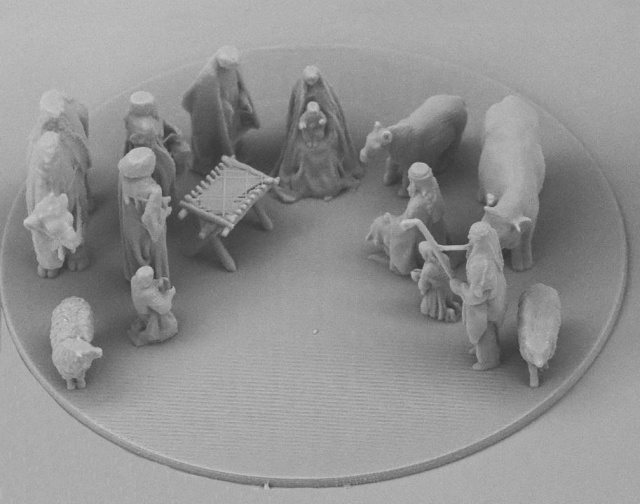 Scientists Create A Nativity Scene Where Jesus Is Smaller Than A Human Cell (2 pics)