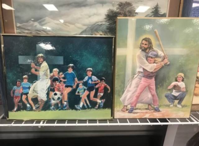 Thrift Shops Are Strange (64 pics)