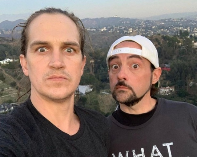 Jason Mewes And Kevin Smith In 1994 and 2019 (2 pics)