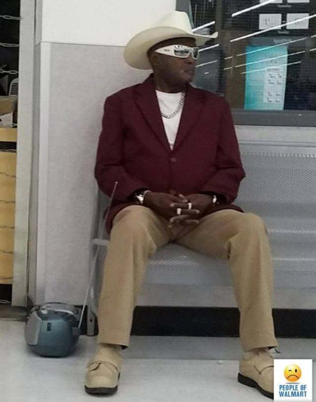 Only In Walmart (37 pics)