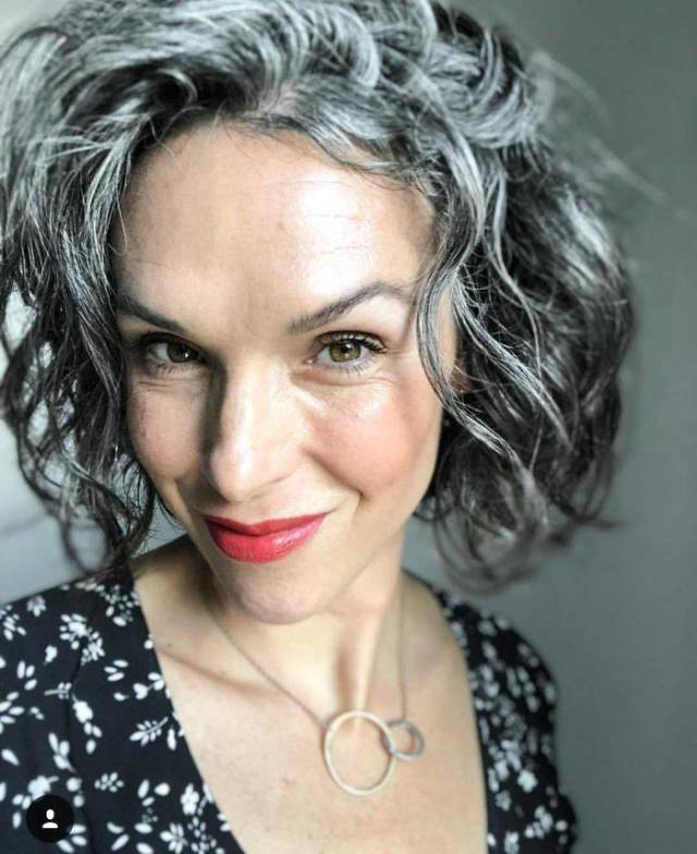 Women With Natural Gray Hair (50 pics)