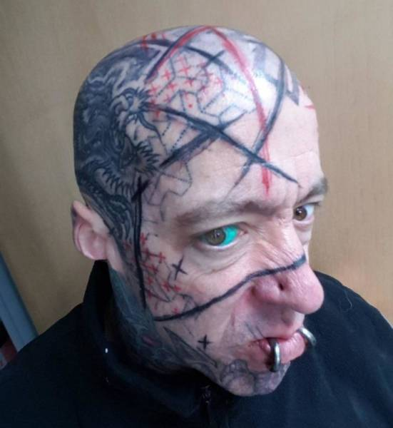 So Many Body Mods (44 pics)