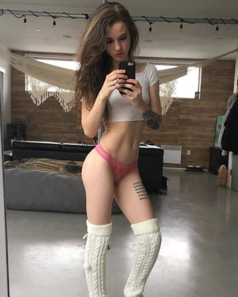 Sexy Thigh-Highs (27 pics)