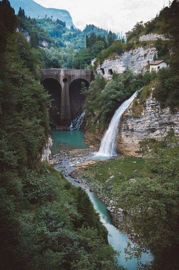 아름다운 자연 (23 점)